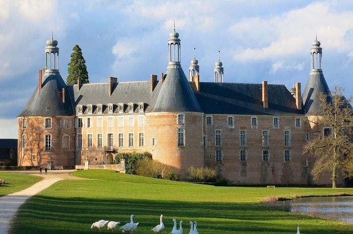 chateau-de-saint-fargeau-bourgogne-franche-comte-saint-fargeau-yonne-2
